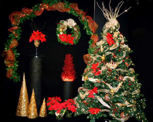 A complete set of Christmas decorations
