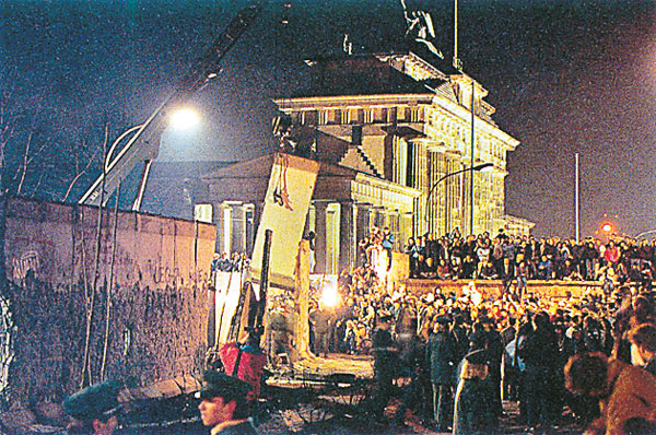 the significance of the fall of the berlin wall In his speech he provides his personal experiences with the fall of the berlin wall and examines the developments that made it possible.